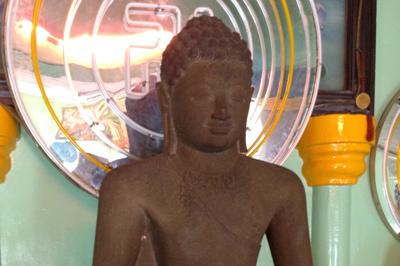Pho tượng Phật quý ở Linh Sơn cổ tự